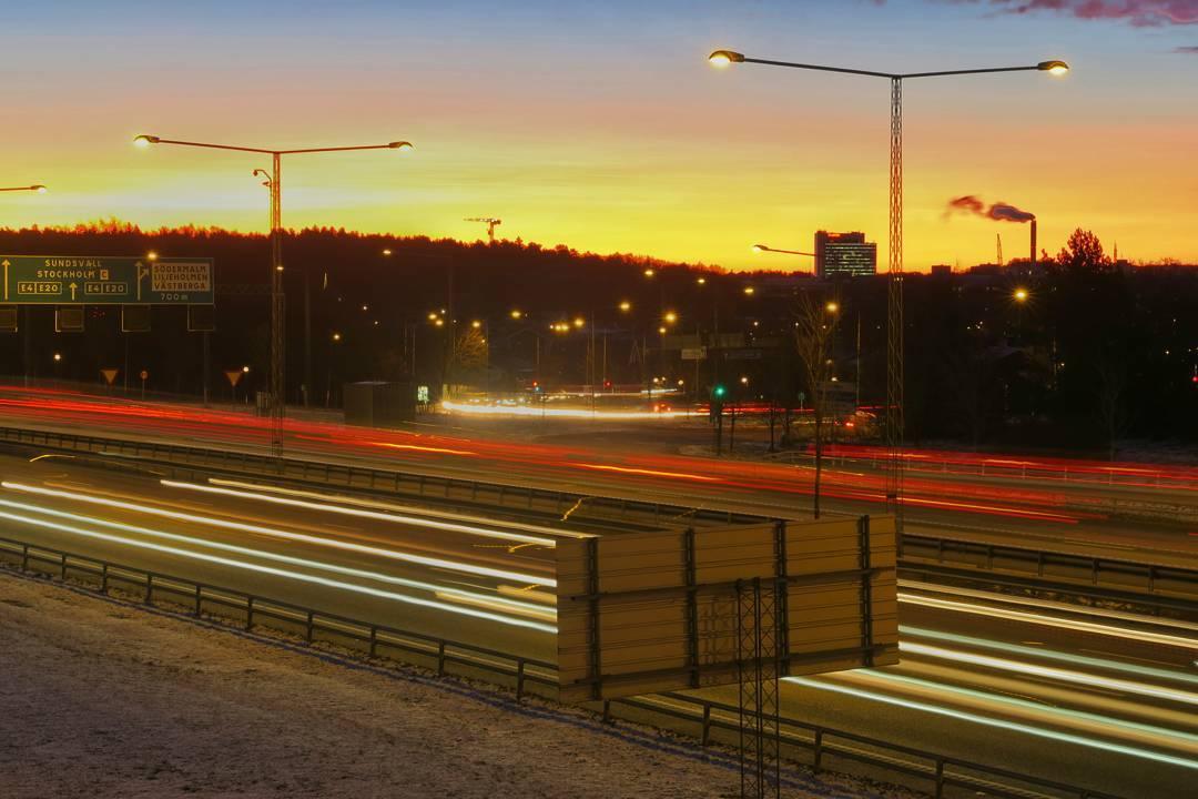"""Svårt välja bland morgonens bilder. Får bli """"Soluppgång över söderort"""